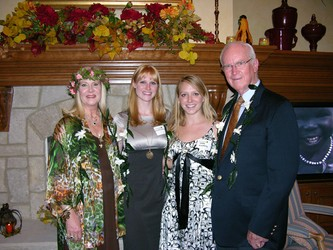 Linda Kelley, left, Anne Marie Kelley, Sara Hildreth and Richard Kelley