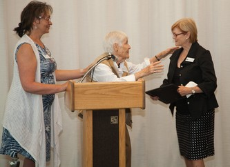 Kathryn Spuhler receives the Ann Robinson Levy Award