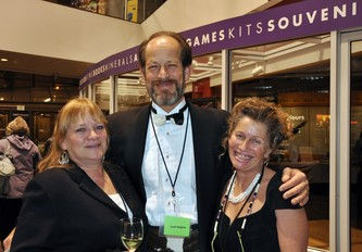Sheri McPhail (l) with Leif Hojem and Tammy Emmanuel at the ArtReach Dine & D'art