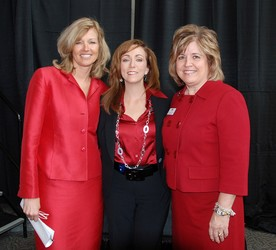 Debbie Welle-Powell, Go Red for Women chair, (l) Donna Boreing and Brenda Lambert, MBA RNBC, Chief Executive Officer, South Denver Cardiology, 2009 Heart Gala chair