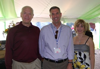 The gracious hosts, James and Pamela Crowe  flank Kempe Foundation President and CEO Jesse Wolff