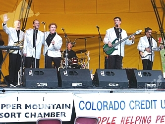The ever-popular Nacho Men provided entertainment on Sunday evening, sponsored by the Copper Mountain Resort Chamber.