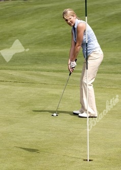 Kate Gordon (Southern Bacardi Team #9A ) takes a putt on hole number 12