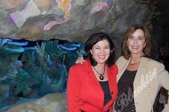 Shelley Cruikshank, left, and Selly Sieber enjoy the aquaria