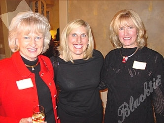 Elise Marks-Gruitch, center, with Betty Carmichael, left, and Beth Isern