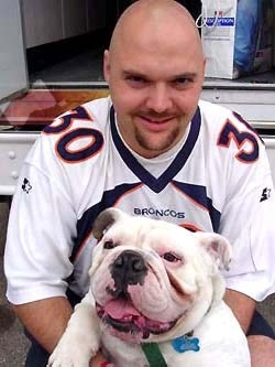 Bob Hedge and his English bulldog, Hank. How could anyone say dog owners look look like their dogs?